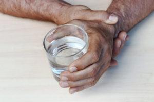 Les étapes de la maladie de Parkinson : éclairer l'aidant de la personne âgée