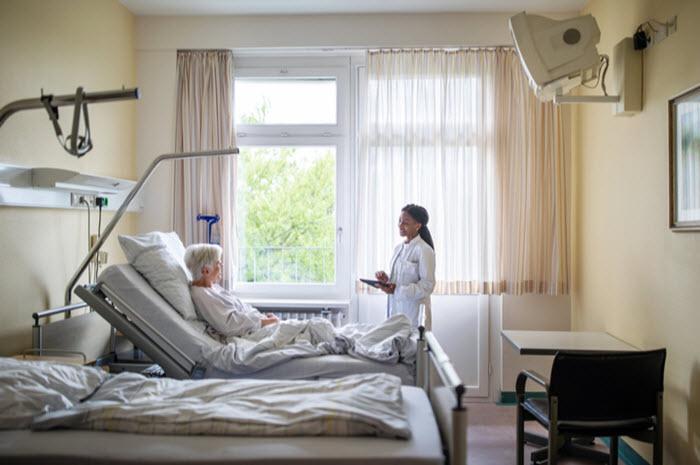Démence des personnes âgées et prévention de leur hospitalisation par les aidants