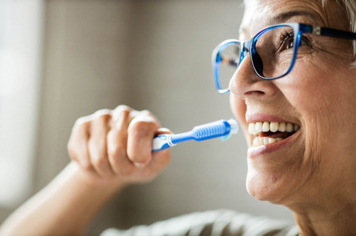 L'hygiène bucco-dentaire chez la personne âgée