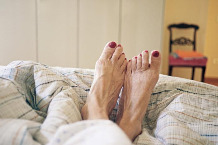 Comment permettre à votre proche d'avoir une bonne hygiène des pieds ?