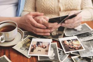 Identité et généalogie quand on est proche aidant… et proche aidé !