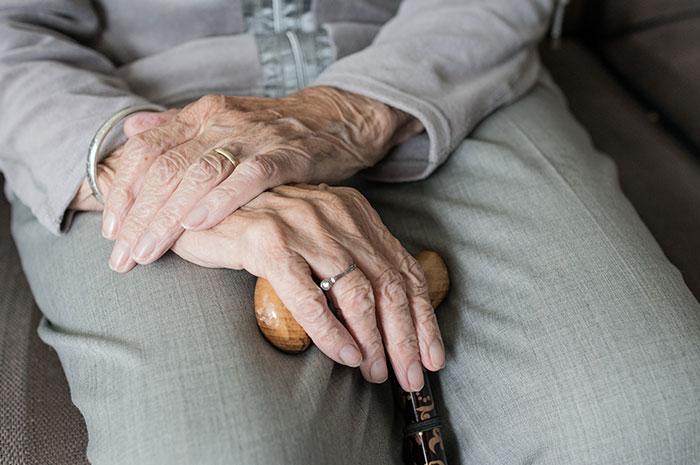 Prévenir un mauvais vieillissement après 65 ans