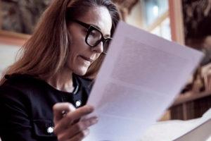 Vie en établissement : répartition des rôles entre mandataire et famille