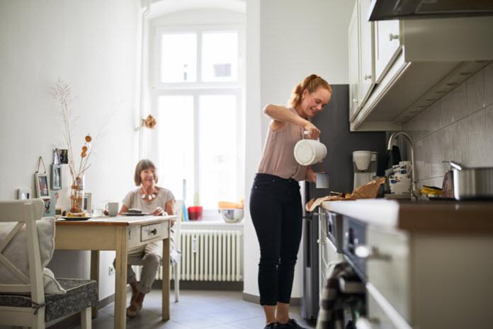 Aidants : ce que les aides à domicile peuvent faire ou ne pas faire