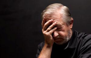 Maladie d'Alzheimer : les pertes de mémoire sont-elles toujours le premier symptôme ?