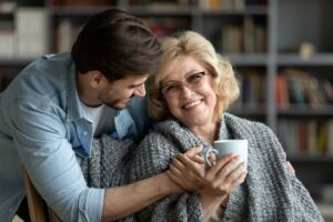 Personnes âgées, aidants, pourquoi se vacciner contre la grippe