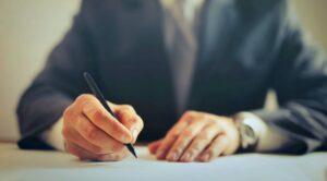Les pouvoirs du tuteur à la personne pour la signature du contrat d'hébergement et de service